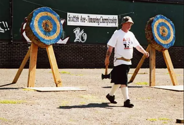 Axle Throwing Target